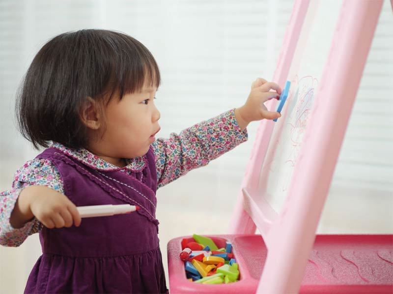 Toddler Easel
